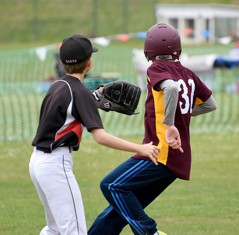 ball into second_2430